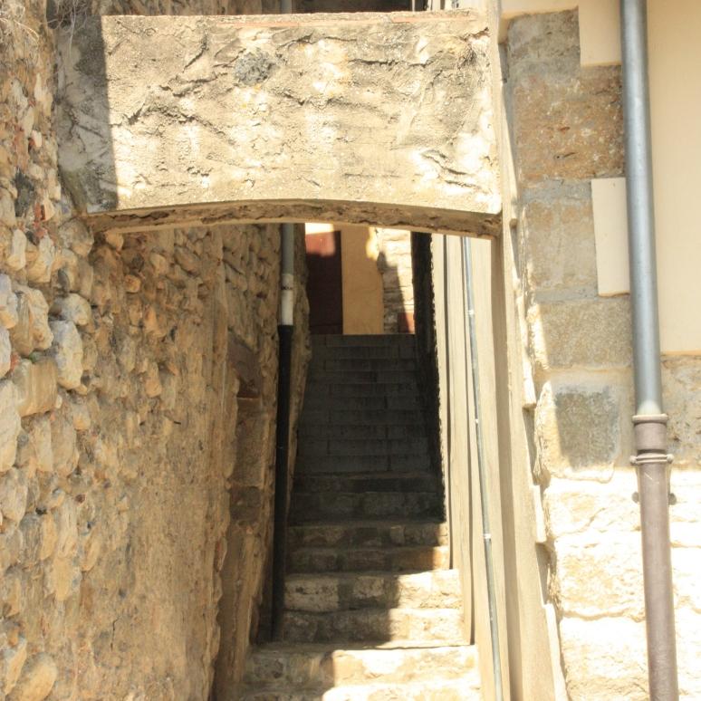 Entrada a la Sinagoga